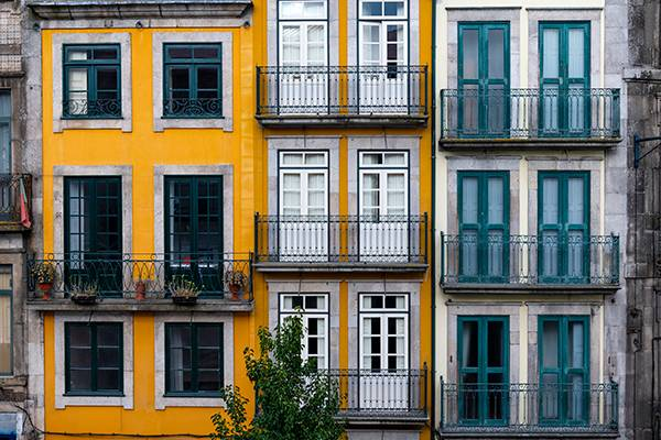 A nova Lei de Bases da Habitação estabelece, pela primeira vez na Democracia Portuguesa, o quadro global, assim como um conjunto de princípios e regras gerais de atuação dos poderes públicos e privados na área da habitação.